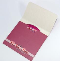 Картонный конверт с клапаном под CD, диск в конверте.