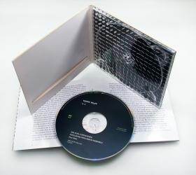 Дигипак CD формата с брошюрой. Печать по диску шелкографией