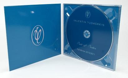 Диджипак CD формата для 1 диска. Вид изнутри - крепление диска в трей
