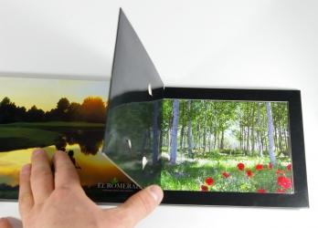 Индивидуальная упаковка для дисков, вид на отсек для открыток и DVD диска.