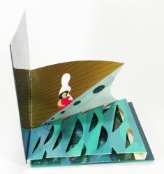 Индивидуальная упаковка CD формата с объемными фигурами.