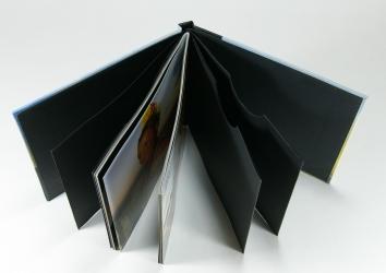 Диджибук CD формата для 3х дисков с буклетом.