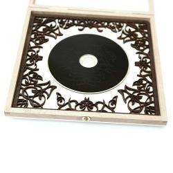 Эксклюзивная упаковка из дерева для 1 DVD диска.