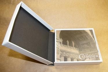 Digibox CD формата для 2х дисков и толстой брошюры. Вид изнутри