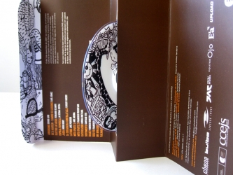 Упаковка DVD, вид на разворот.