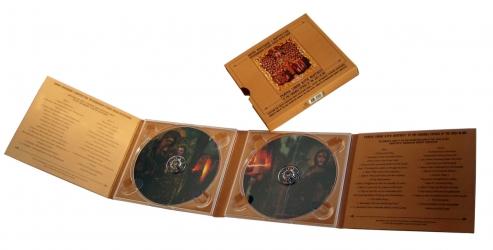 Диджипак на 2 диска, вид на разворот.