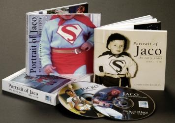 Диджипак на 2 CD диска, слипкейс и буклет.