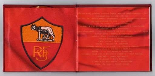 Диджибук CD, вид на разворот.