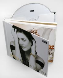 Диджибук на 1 диск с толстой брошюрой.