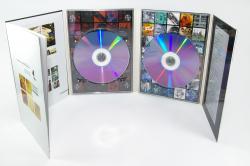 Диджипак DVD формата на 2 диска + брошюра.